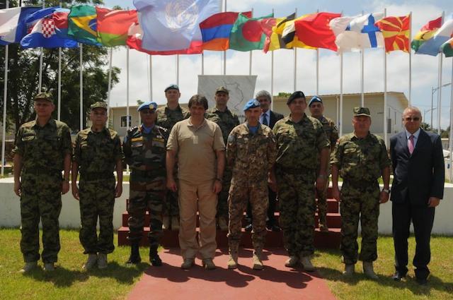 foto con delegazione serba
