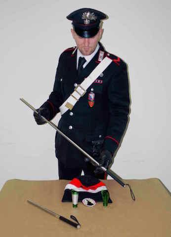 Il manganello sequestrato dai Carabinieri_